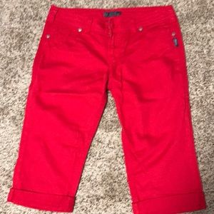 NWOT red Silver capris. Size 34